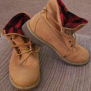 Timberland boots with woolrich inside sz 10m
